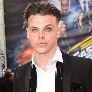 Yungblud Net Worth Girlfriend Parents Songs Ethnicity